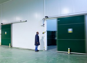 Posts and crossbars to protect the sliding doors from impacts in cold rooms. These protect the door frame and panels from damage which would require full ... & Door Protection - Portiso | Portiso